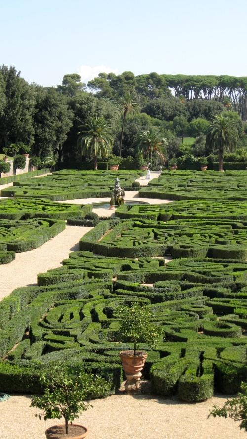 topiary mazes